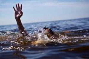 Экстренные действия окружающих при симптомах полного утопления