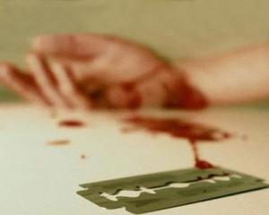 что делать если порезал вену на руке